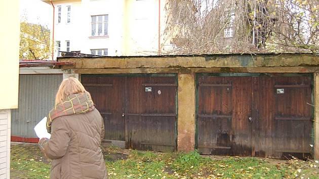 Na prodej. Za velmi výhodné ceny prodává radnice tyto garáže. Bohužel, pouze přímému zájemci.
