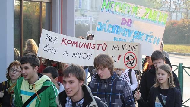 Demonstrace týden po krajských volbách
