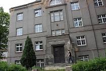Keramická škola v Karlových Varech.