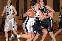 Druhé utkání play out ŽBL vyhrála děvčata karlovarské Lokomotivy 72:62.
