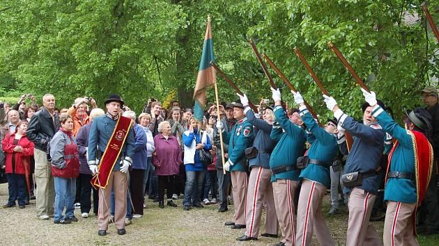 Slavnosti v Kyselce, které nesly oficiální název Kysibelský velejuch, přilákaly davy lidí.