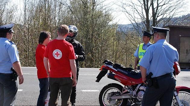 V Nejdku se konala společná preventivní akce policistů a Českého červeného kříže.