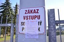 Karlovarská Slavia řeší porušování zákazu vstupu do areálu v Drahovicích.