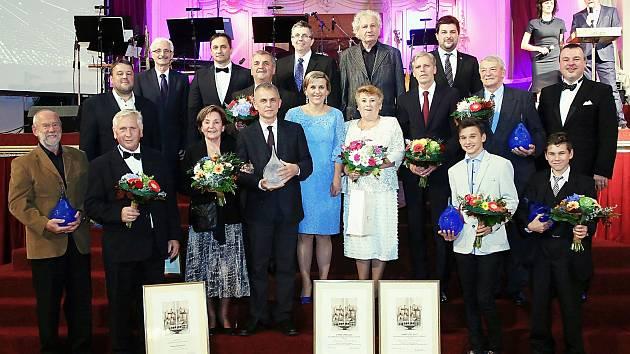 Osobnosti Karlovarského kraje převzali ocenění na slavnostním večeru v karlovarském Grandhotelu Pupp.