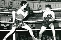HISTORICKÉ snímky z boxerských utkání v Národním domě.