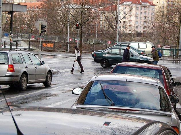CHODÍ SE NA ZELENOU! Strážníci se zaměří na to, zda chodci dodržují daná pravidla.