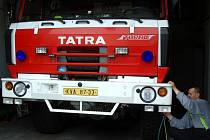Cisternu, která v Ostrově hasičům sloužila řadu let, nahradí ještě letos nový a moderní automobil.