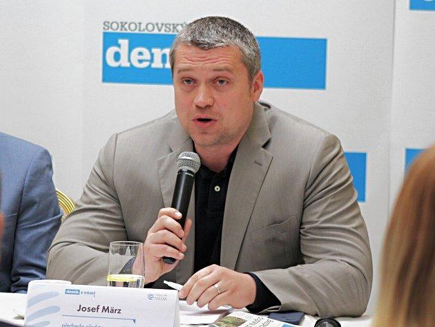 O post v představenstvu krajské nemocnice se bude ucházet i její současný generální ředitel Josef März.