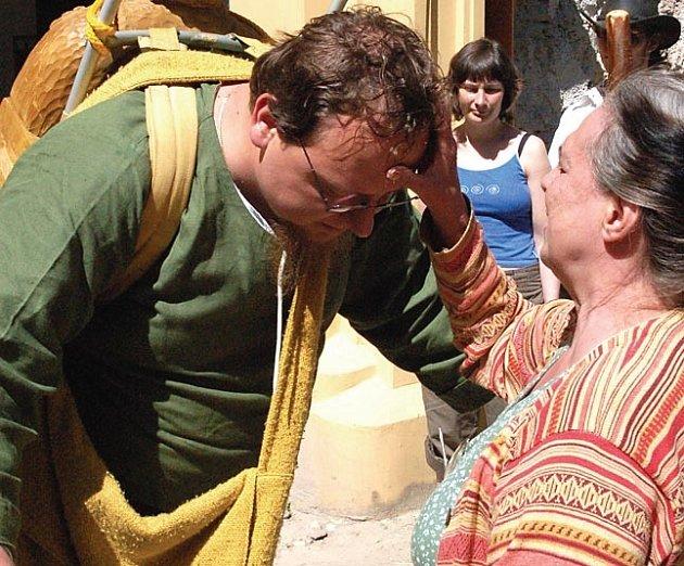 Ještě požehnání a Petr Hroch Binder mohl vyrazit na svou pouť do Vatikánu.