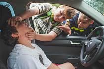 """Akce s názvem """"Ty to zvládneš LIVE"""" poukazuje na nejčastější chyby laických záchranářů při dopravních nehodách."""