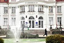 Alžbětiny lázně v Karlových Varech jsou jedním z objektů, který prý radnice rozhodně neprodá.