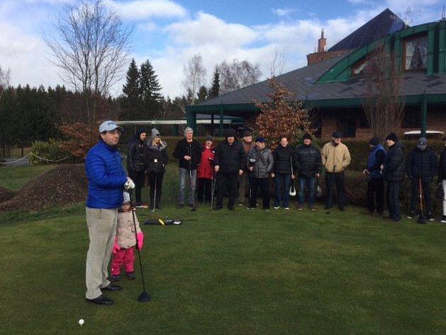 Golfisté se sešli v první den roku 2018 na Novoročním drive na hřišti v Olšových Vratech