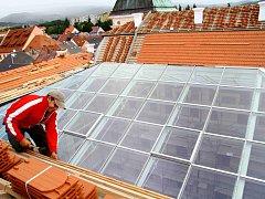 Střecha a atrium už jsou hotové