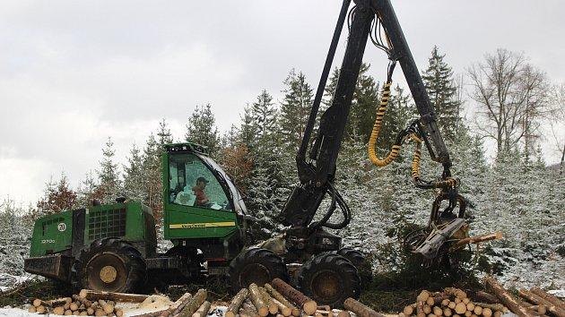 Harvestory jsou velkými pomocníky i Lázeňských lesů