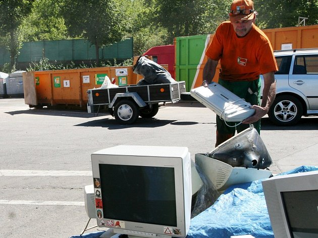 SOUTĚŽÍ je celá řada a tu svou mají také sběrné dvory určené pro odkládání vybraných druhů odpadu. V Karlových Varech jsou do soutěže přihlášeny tři městské sběrné dvory.
