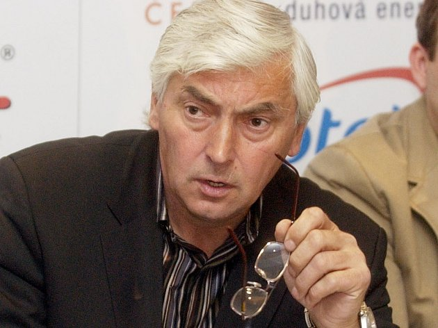 Od tragického úmrtí slavného hokejisty a trenéra Ivana Hlinky uplyne v sobotu 10 let.
