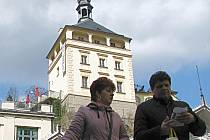Město chce upravit historické sklepy pod věží.