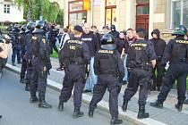Nepovolená demonstrace extremistů v Karlových Varech.