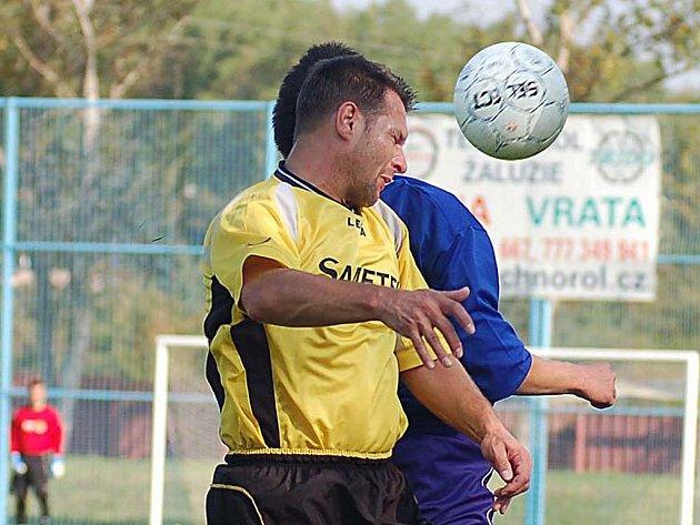 PO HLAVĚ půjdou do jarních bojů krajského přeboru fotbalisté Kraslic.