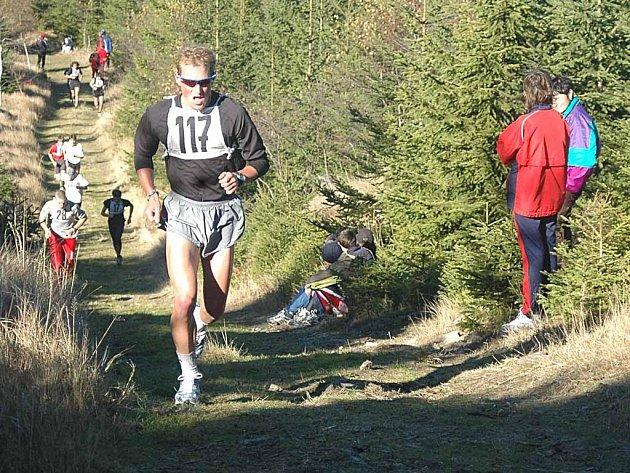 Letošním vítězem běhu se stal Jan Krupička. Předloni na Blaťáku zvítězil triatlonový reprezentant Jan Kubíček (na snímku).