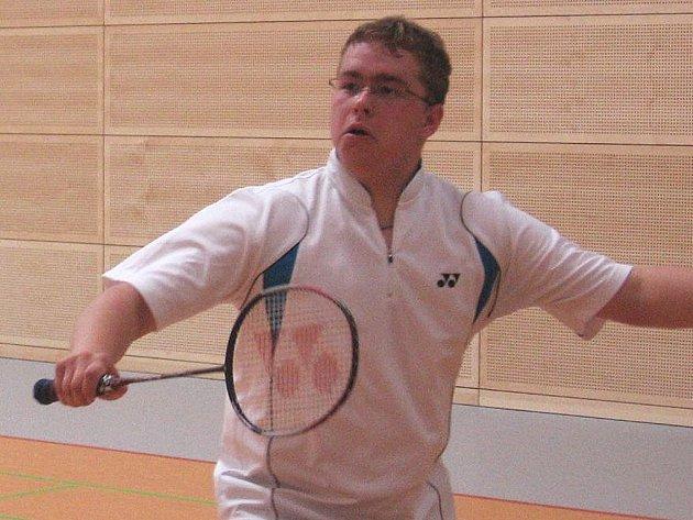 Michal Bernášek posunul Nejdecké badmintonisty do semifinále.
