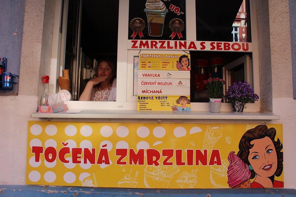 Zmrzlina Mattoni, roh Moskevské ulice a Dr. Davida Bechera