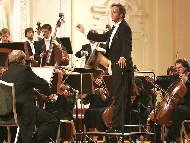 Hosté z hudební branže nazvali Karlovarský symfonický orchestr drahokamem.