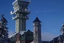 V neděli 14. prosince obsadí klínovecký vysílač technici Českých Radiokomunikací, kteří zde spustí digitální vysílání v regionu. Znovu se sem vrátí opět v červnu.