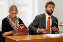 Soudní při o KV Arenu svěřilo město externí advokátní kanceláři Vrána & Pelikán, jejímž partnerem byl budoucí ministr spravedlnosti Robert Pelikán.
