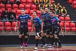 Druhou prohru v 1.lize si připsali na svůj florbalový účet hráči karlovarského Hurricanu, kteří nestačili na exsuperligové Znojmo, kterému podlehli v poměru 5:6.