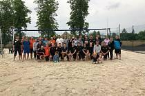 Beachvolejbalový turnaj ve městě minerálních pramenů přilákal na pískové kurty celkem dvaatřicet hráčů.