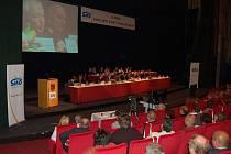 Sněm Svazu měst a obcí. Hotel Thermal zaplnili ve čtvrtek 28. května starostové i další zástupci měst a obcí. Témat k diskusi byla skutečně celá řada.