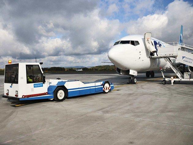 Letišti ubylo v letošním roce odbavených pasažérů a s tím poklesly tržby.