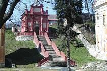 KLÁŠTERNÍ AREÁL. Stavební památka nabídne letos návštěvníkům Ostrova bohatý program.