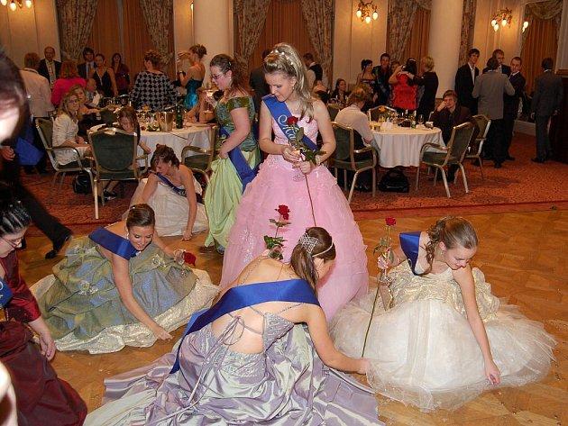 Devětadvacátý maturitní ples SOŠ Dalovice v Grandhotelu Pupp.