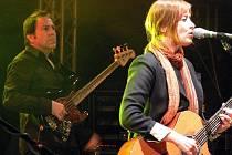 Čechomor a Suzanne Vega. Koncert pod loketským hradem.