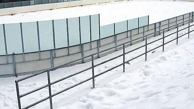 Zimní stadion. Nejdecká radnice se bude snažit, aby zimní stadion získal peníze na zastřešení.