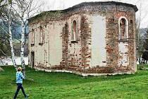 MEZI SAKRÁLNÍ památky ohrožené zkázou patřil rovněž kostel svatého Blažeje poblíž Nežichova.