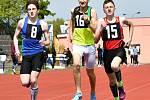 Atleti z Karlovarského kraje se dočkali. Po uvolnění opatření kvůli covidu-19 se mohli totiž navrátit na své atletické stadiony.  Atletické stánky již otevřela většina klubů v kraji a začaly se zase naplno věnovat přípravě na zpožděnou sezonu 2020.