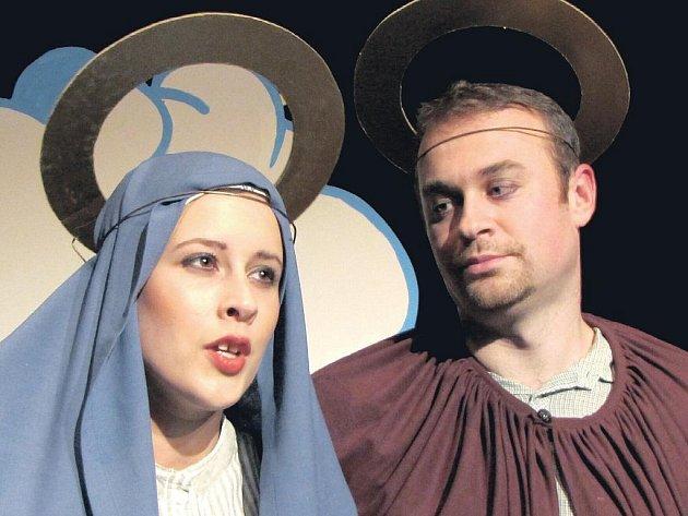 Ochotnický divadelní spolek Déčko si na prosinec pro diváky připravil představení Komedie o narození Ježíška.