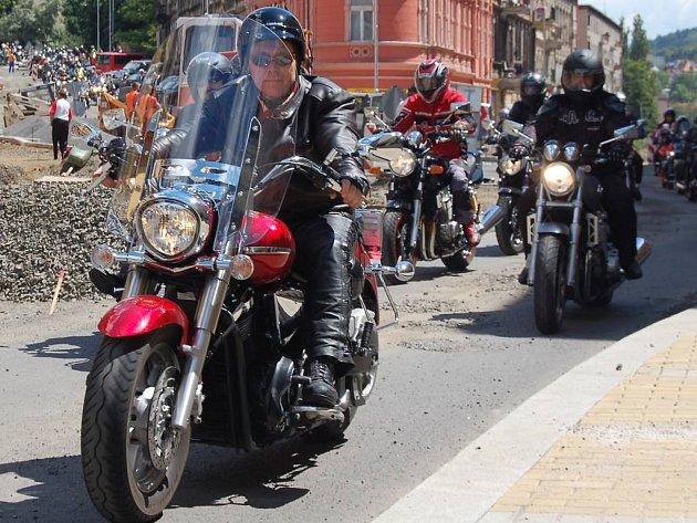 Na 13. ročník srazu Dennis Hopper přijely stovky motorkářů.