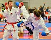 Dva dny bojovali karatisté o mistrovské tituly v Karlových Varech v disciplínách kata, kumite a České ligy kumite týmů.
