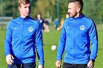 Michal Süttö (vlevo), Lukáš Jankovský (vpravo). Trenéři FK Ostrov.