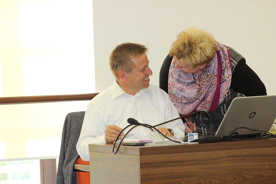 Zastupitelstvo města Ostrov volilo starostu.