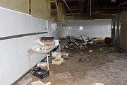Zničená pekárna společnosti Pekosa v Chodově.