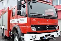 Nové auto karlovarských hasičů