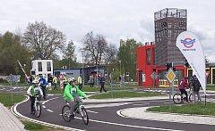 Ve Světě záchranářů se nezastaví život ani v zimním období. Tamní dopravní hřiště patří k nejlepším v Česku.