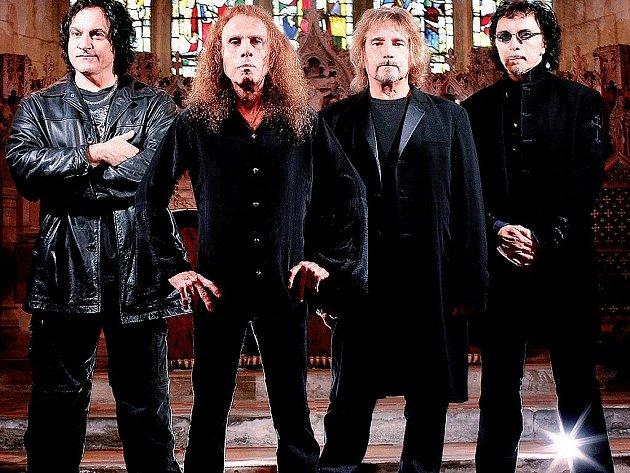 Heaven And Hell (zleva Vinnie Appice, Ronnie James Dio, Geezer Butler a Tony Iommi) vystoupí 25. června v pražské T–Mobile Aréně.
