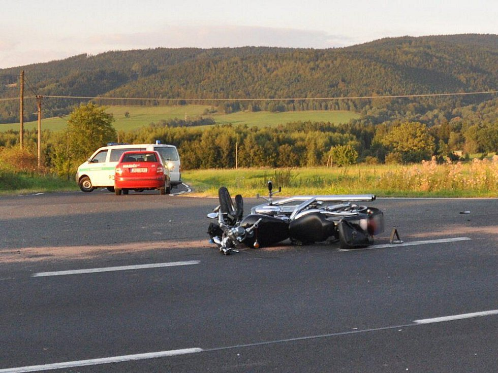 Tragická dopravní nehoda u Dolního Žandova (čtvrtek 1. září 2011)