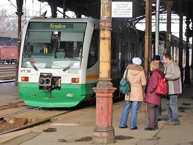 Stav karlovarského horního nádraží je neutěšený. Rekonstrukce je zatím věcí jednání mezi Českými drahami a Grandi Stazzioni.